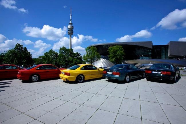 BMW собрала более сотни купе 8 Series вместе