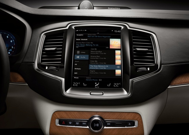 Новый Volvo XC90 хвастается своим дисплеем
