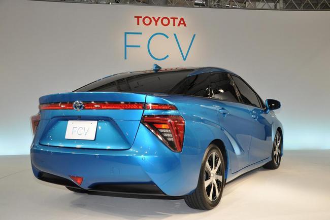 Toyota объявила цену на новый водородный автомобиль
