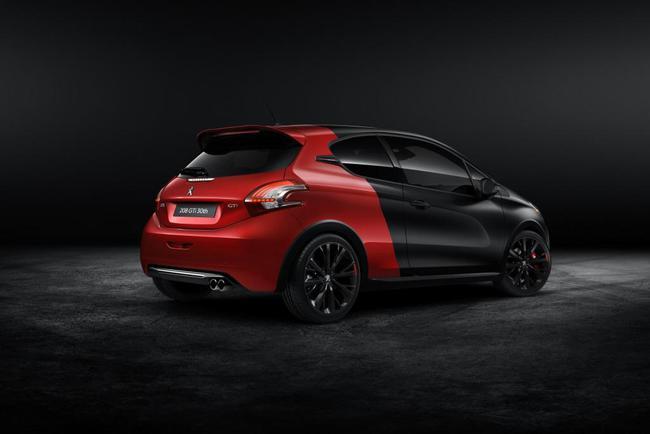 В Peugeot дозарядили хэтчбек 208 GTi