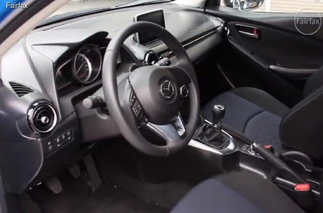 Новая Mazda 2 показала салон