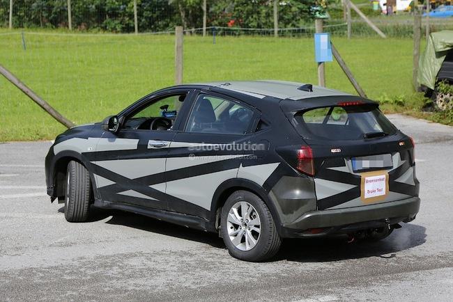 Новый кроссовер Honda HR-V уже проходит испытания