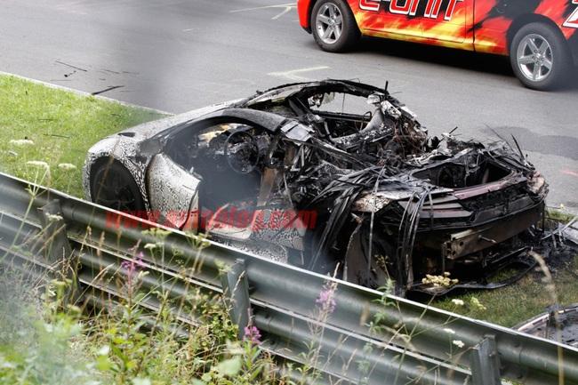 Прототип Acura NSX сгорел дотла на Нюрбургринге