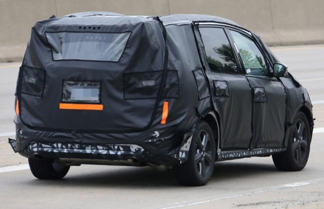 Новый минивен Ford Galaxy замечен на дорогах США