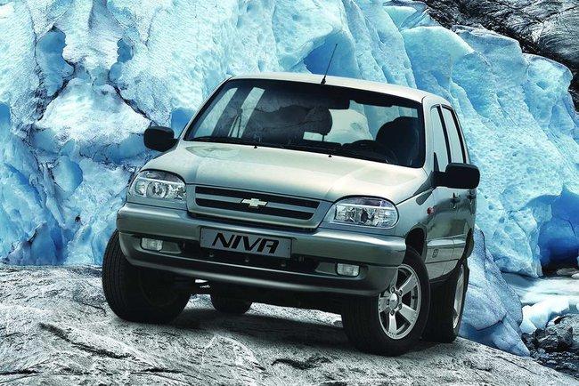 В Сети появился первый тизер новой Chevrolet Niva