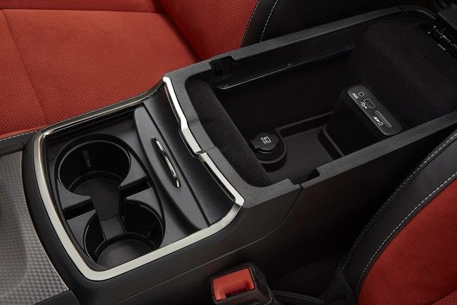 Dodge Charger назван самым мощным седаном современности