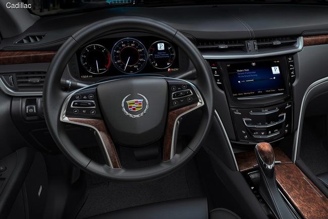 Cadillac сменил эмблему и представил беспроводную зарядку Powermat