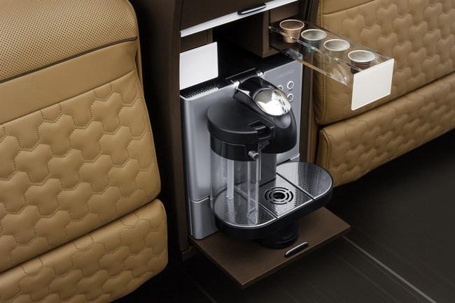 Микроавтобус Brabus Business Lounge