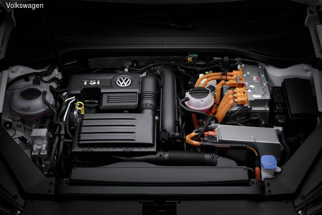 Парижский автосалон 2014: Volkswagen представит гибридный Volkswagen Passat GTE