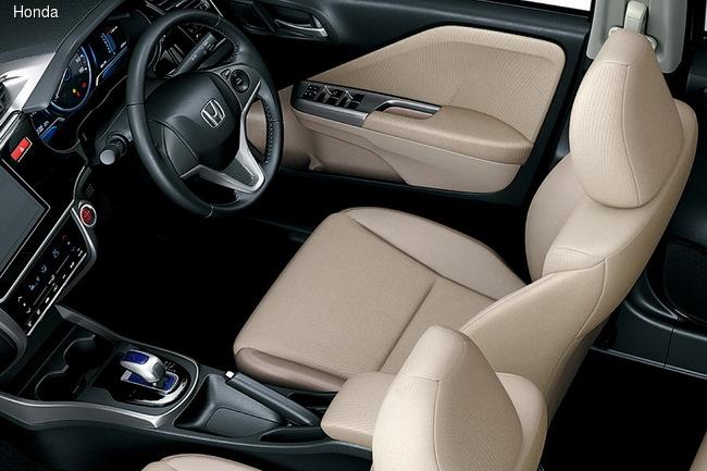 Honda начала продажи нового компактного седана Grace Hybrid