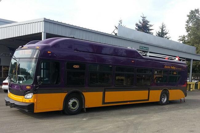Троллейбус New Flyer Xcelsior XT40