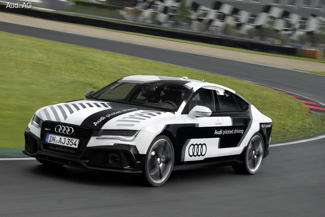 В октябре 2014 года специально подготовленный хэтчбек Audi RS7 стал «самым быстрым автомобилем с автопилотом в мире»