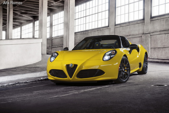 Alfa Romeo 4C Spider приехала покорять Америку