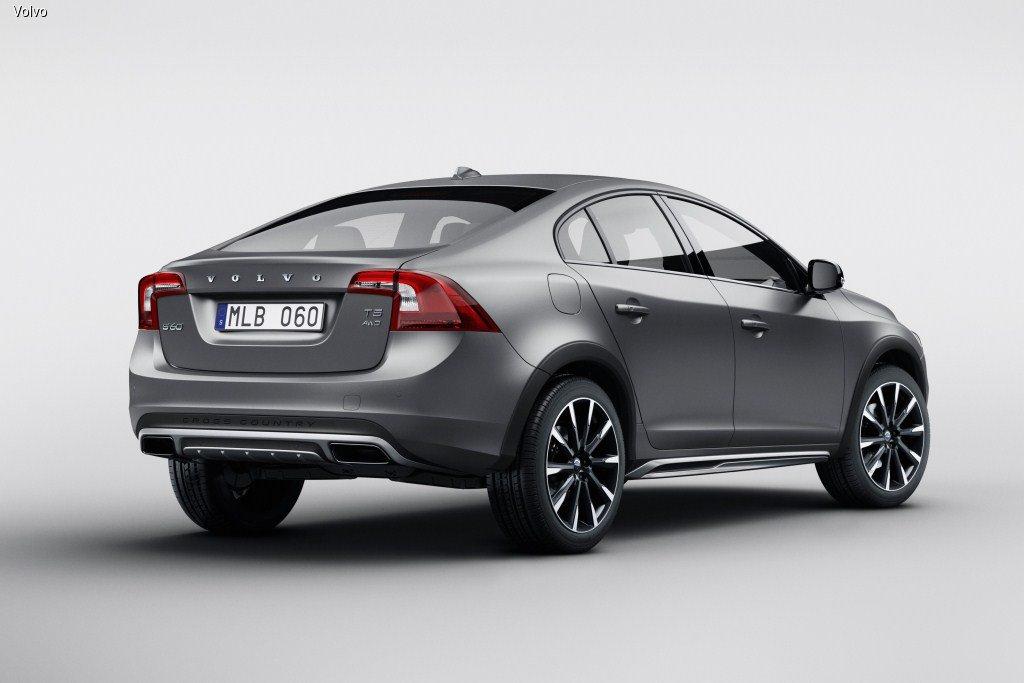 В Volvo рассказали, для каких стран создали S60 Cross Country