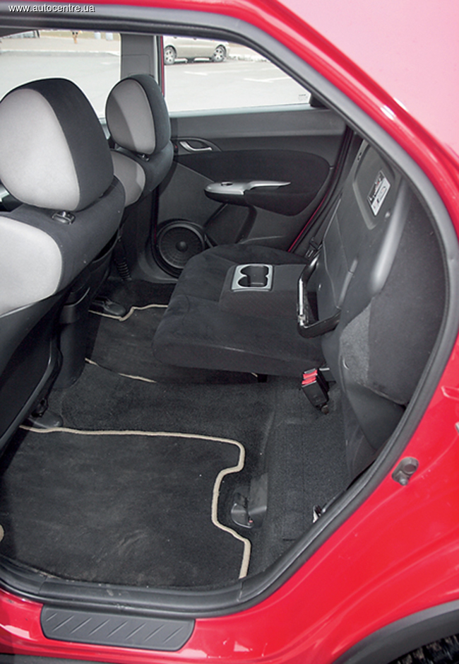 Сравнительный тест Honda Civic и Seat Leon