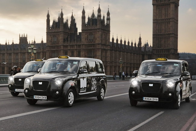 В Лондоне официально пустили электрические «кэбы»