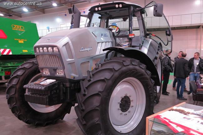 Тракторы на выставке «Зерновые технологии 2015»