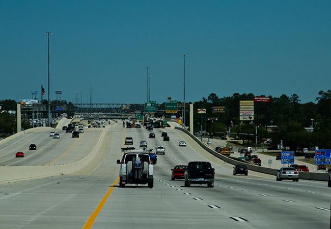 «Как вести себя на дороге: Жизнь» на американских хайвеях