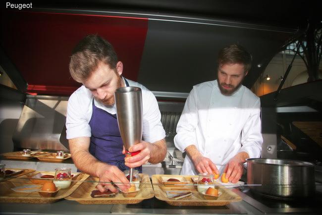 Миланская неделя моды 2015: премьера светильников ONYX и первая презентация PEUGEOT Foodtruck