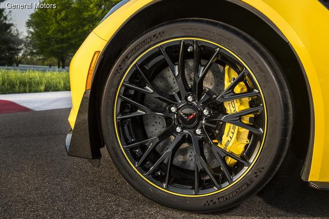 Chevrolet представил лимитированную серию Corvette Z06 C7.R Edition