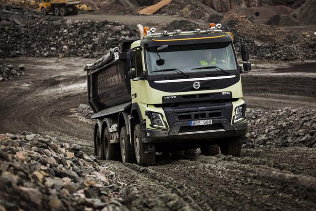 Грузовики Volvo получили автоматический передний привод