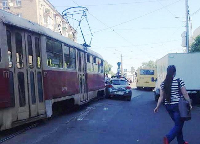 Google-мобиль попал под трамвай