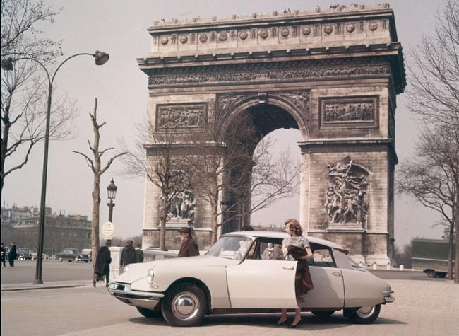 Неделя DS в Париже –  в честь 60-летнего юбилея марки
