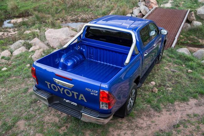 Пикап Toyota Hilux восьмого поколения