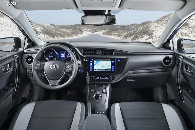 Toyota Auris получил новые моторы