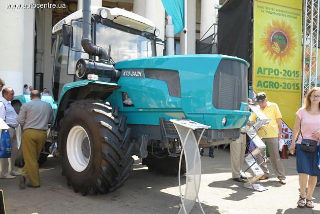 Колесный трактор ХТЗ нового семейства 240К