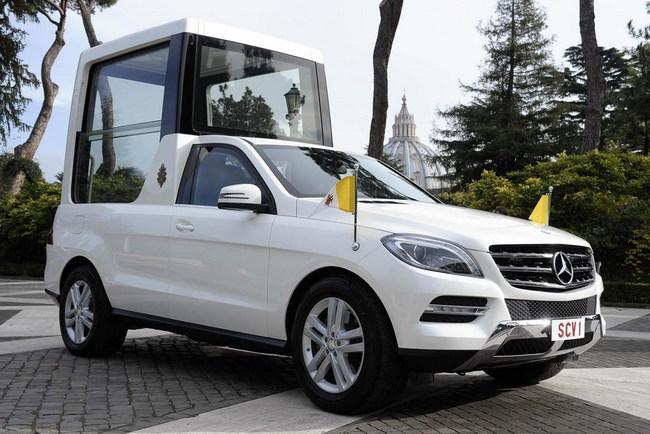 Предшествующий «Папамобиль» - на базе Mercedes-Benz ML