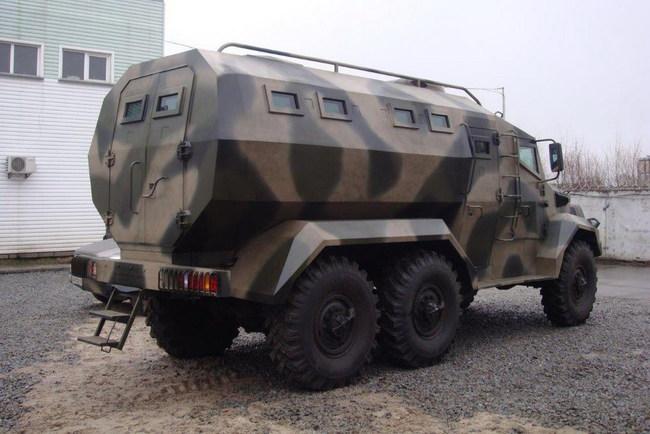 В Киеве построили бронеавтомобиль«Годзилла»