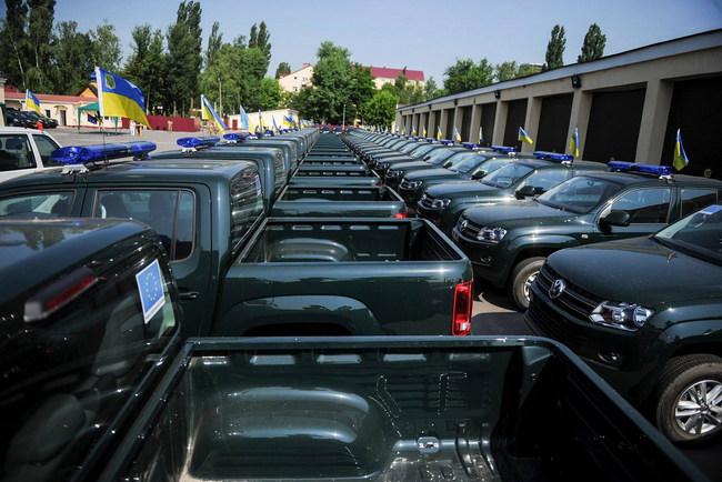 Пограничники получили две сотни новых автомобилей
