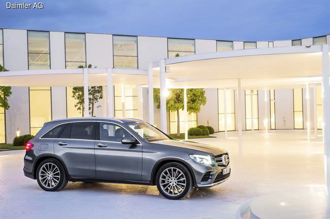 Mercedes-Benz GLC представили в Штутгарте