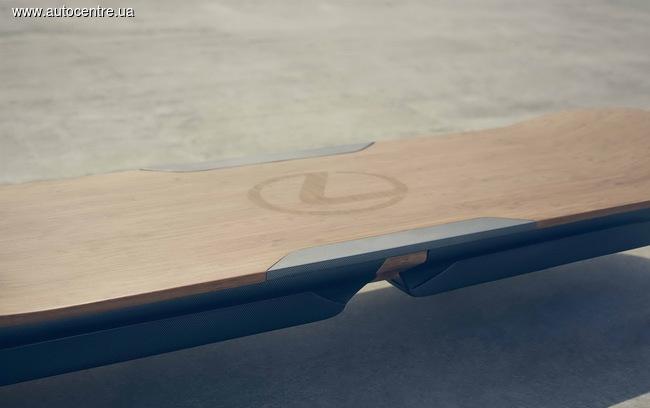 Lexus создал «летающий скейт» из бамбука