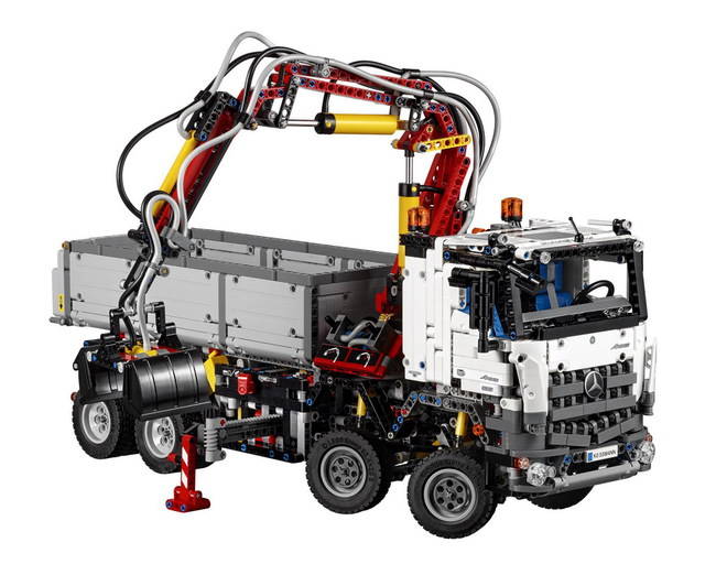Technic Mercedes-Benz Arocs 3245