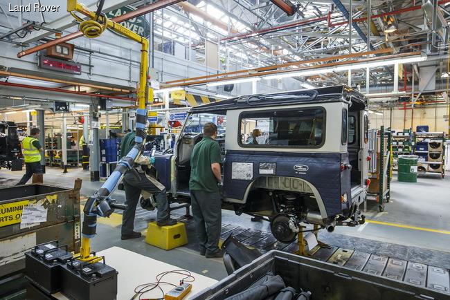 Land Rover Defender оставят на конвейере