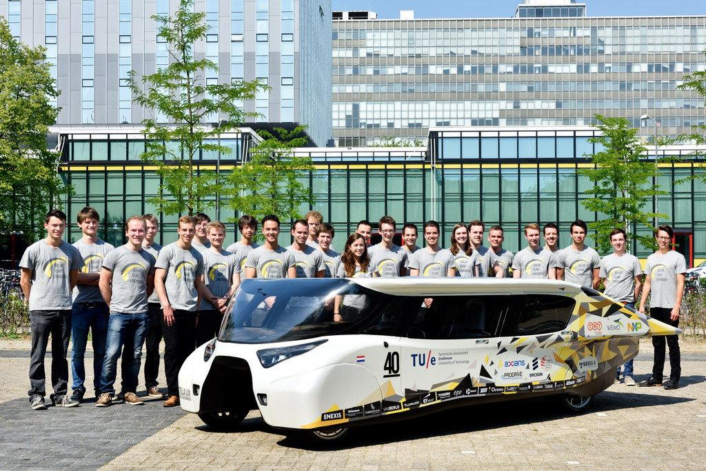 Семейный автомобиль – только на солнечной энергии