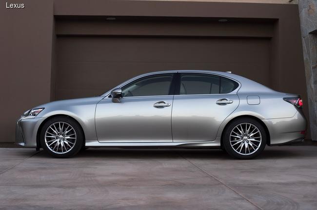 Lexus обновил седан GS