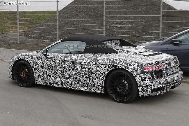Audi R8 Spyder проходит дорожные тесты