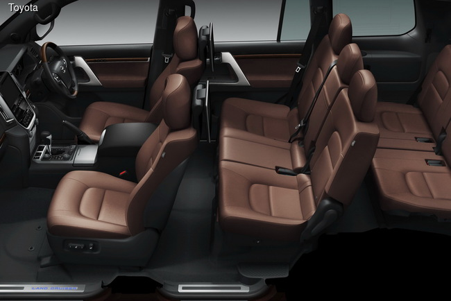 Toyota Land Cruiser 200 подвергся обновлению