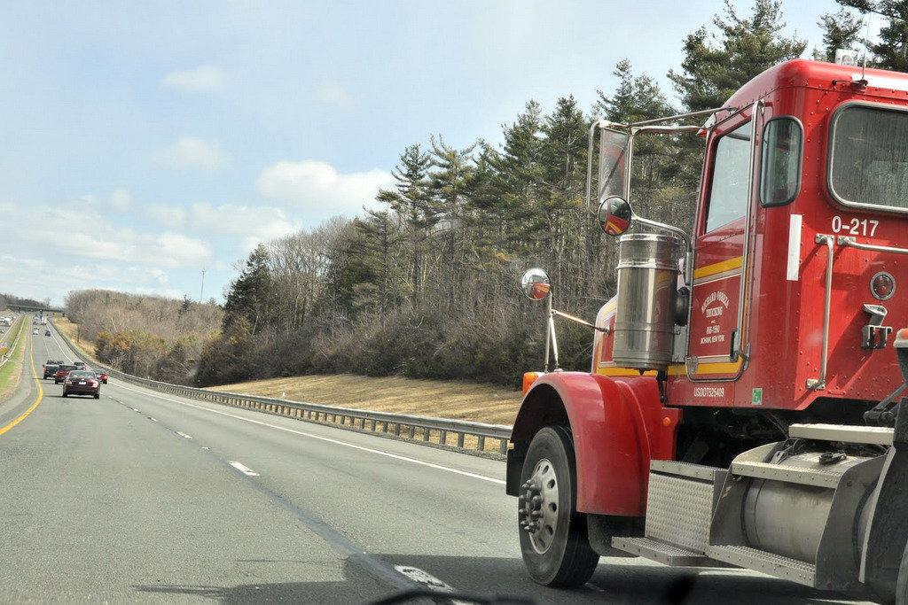 Акциз на топливо поднимут, дороги сделают платными для фур