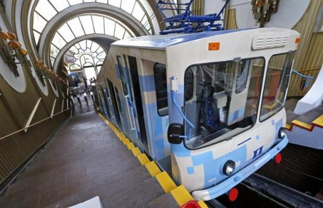 В Киеве открыли Почтовую площадь и фуникулер