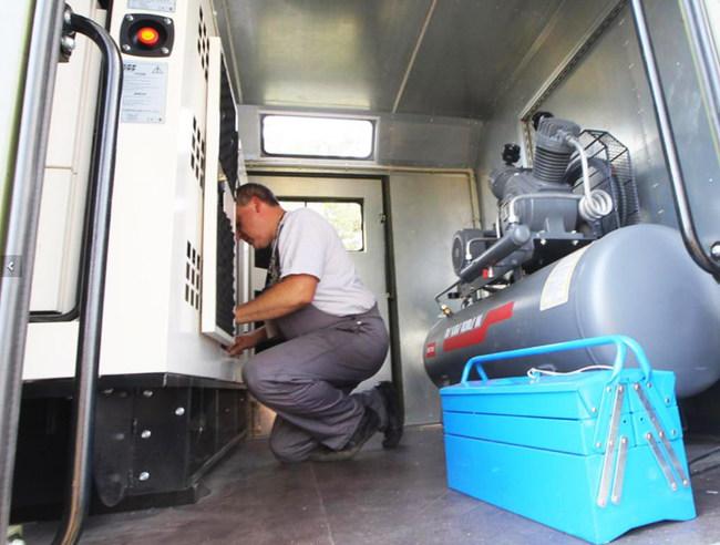 Армия получила новые ремонтно-эвакуационные машины