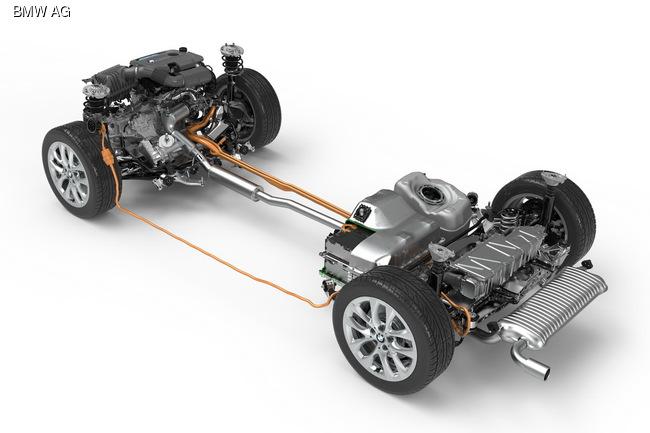 BMW покажет во Франкфурте гибридную «двойку»