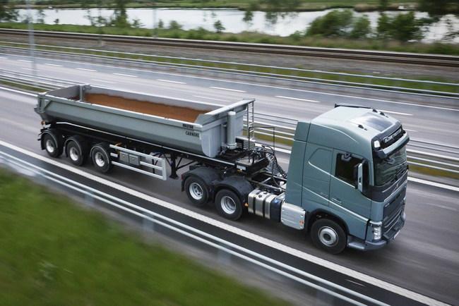 Компания Volvo Trucks приступает к выпуску механизма Tandem Axle Lift