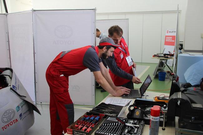 «Тойота Украина» нашла своих лучших механиков