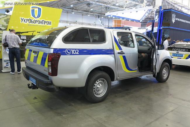 Полицейские Волыни получили пикапы Isuzu D-Max