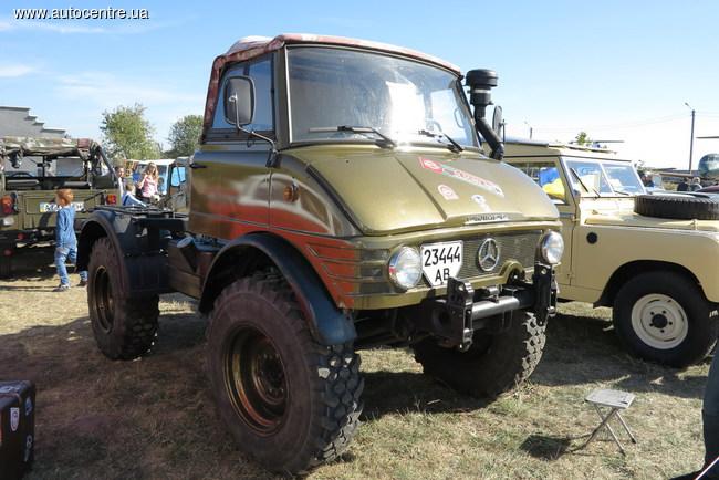Интересные грузовики и автобусы Old Car Land-2015