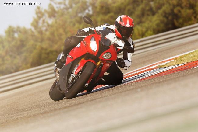 BMW Motorrad расширяет линейку мотоциклов, для которых доступна система ABS Pro